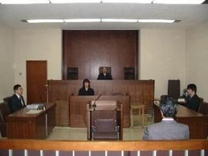 裁判所は強者の味方
